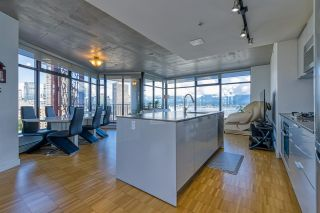 """Photo 3: 2310 128 W CORDOVA Street in Vancouver: Downtown VW Condo for sale in """"WOODWARD W43"""" (Vancouver West)  : MLS®# R2567403"""