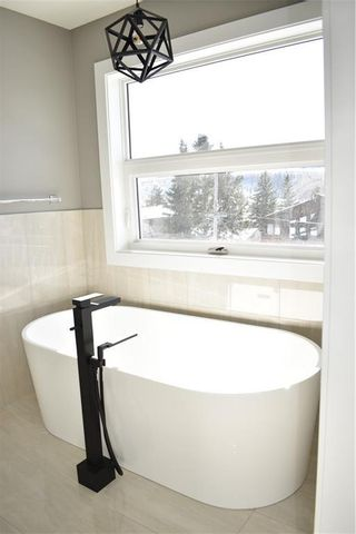 Photo 23: 4603 20 Avenue NW in Calgary: Montgomery Semi Detached for sale : MLS®# C4300227