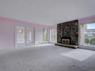 Photo 7: 1856 Hillcrest Ave in Saanich: SE Gordon Head House for sale (Saanich East)  : MLS®# 869213