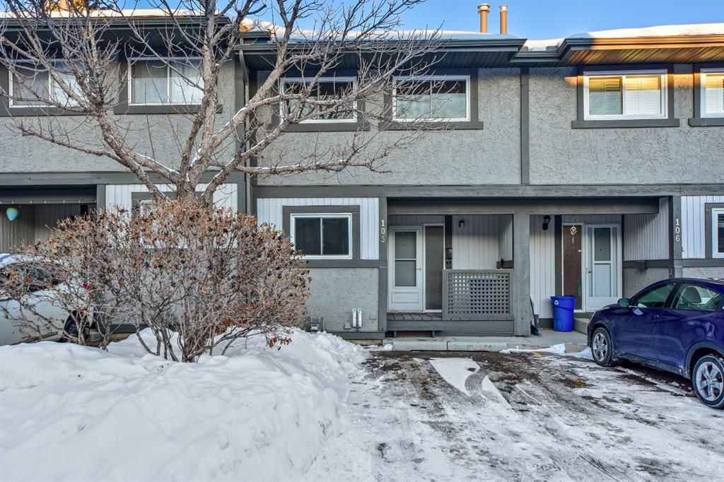 Main Photo: 105 7172 Coach Hill Road SW in Calgary: Coach Hill Row/Townhouse for sale : MLS®# A1053113
