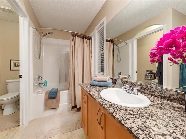 Photo 27: Photos: 40 COUGARSTONE Manor SW in Calgary: Cougar Ridge House for sale : MLS®# C4087798