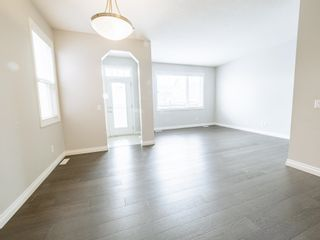 Photo 14: 5215 ADMIRAL WALTER HOSE Street in Edmonton: Zone 27 House for sale : MLS®# E4260055