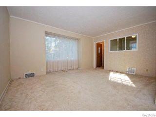 Photo 2: 823 Manhattan Avenue in WINNIPEG: East Kildonan Residential for sale (North East Winnipeg)  : MLS®# 1517538