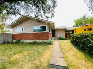 Main Photo: 102 Armstrong Crescent SE in Calgary: Acadia Detached for sale : MLS®# A1135128