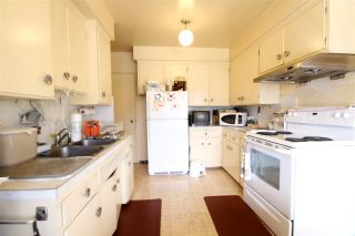 Photo 4: 1592 E 58TH Avenue in Vancouver: Fraserview VE House for sale (Vancouver East)  : MLS®# V1142641