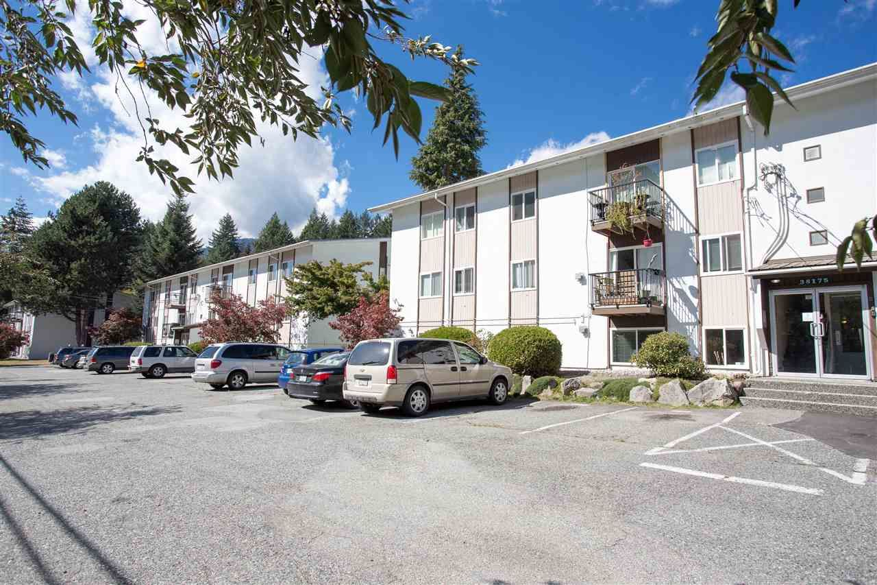 Main Photo: 32 38175 WESTWAY Avenue in Squamish: Valleycliffe Condo for sale : MLS®# R2108780