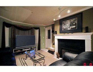 Photo 2: 106 13226 104 Avenue in Surrey: Condo for sale : MLS®# F2904427