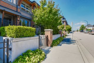 """Photo 3: 764 E 29TH Avenue in Vancouver: Fraser VE Townhouse for sale in """"CENTURY- THE SIGNATURE COLLECTION"""" (Vancouver East)  : MLS®# R2243463"""