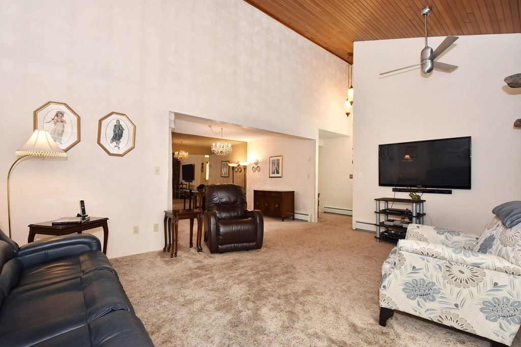 Photo 3: Photos: 2451 PARKER Street in Vancouver: Renfrew VE House for sale (Vancouver East)  : MLS®# R2160159