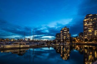 """Photo 32: 2305 1077 MARINASIDE Crescent in Vancouver: Yaletown Condo for sale in """"MARINASIDE RESORT"""" (Vancouver West)  : MLS®# R2544520"""