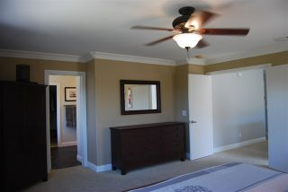 Photo 11: House for sale : 4 bedrooms : 1079 Greenway Rd in Oceanside