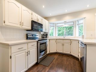 Photo 8: 15676 94A Avenue in Surrey: Fleetwood Tynehead House for sale : MLS®# R2416353