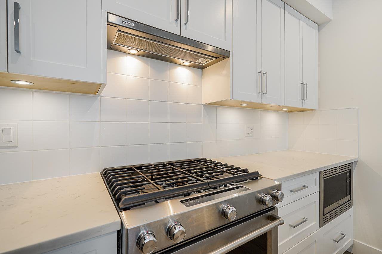 Photo 5: Photos: 131 16433 19 Avenue in Surrey: Grandview Surrey Townhouse for sale (South Surrey White Rock)  : MLS®# R2578844