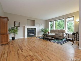 Photo 4: 3420 Mary Anne Cres in VICTORIA: Co Triangle House for sale (Colwood)  : MLS®# 723824