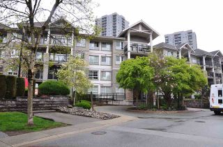 """Photo 2: 312 9233 GOVERNMENT Street in Burnaby: Government Road Condo for sale in """"SANDLEWOOD"""" (Burnaby North)  : MLS®# R2398621"""