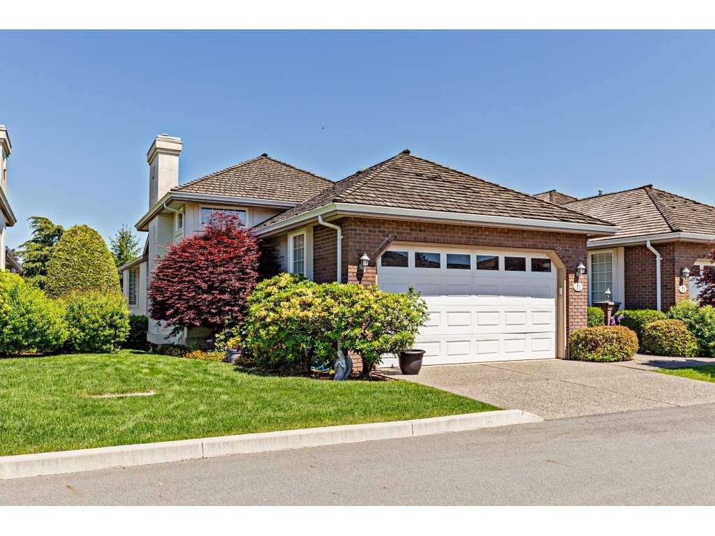 """Main Photo: 11 31450 SPUR Avenue in Abbotsford: Abbotsford West Townhouse for sale in """"Lakepointe Villas"""" : MLS®# R2459458"""