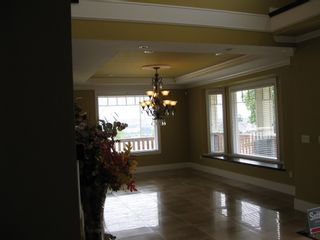 Photo 11: 351 MARMONT STREET in COQUITLAM: House for sale