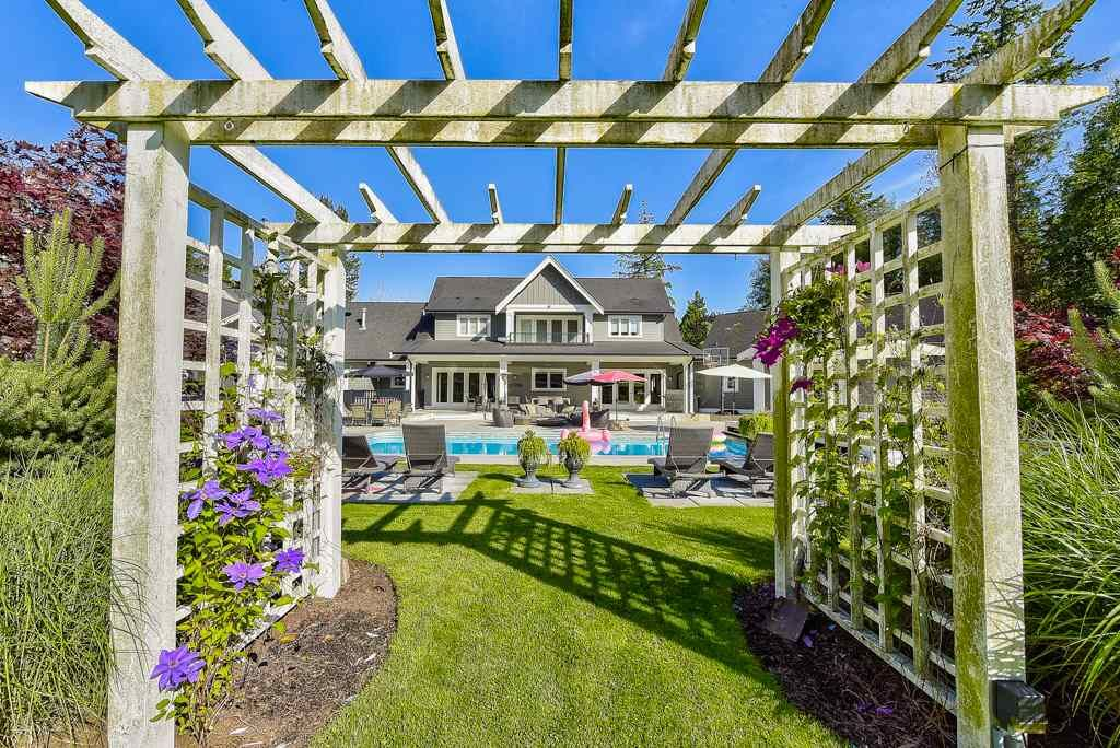 Photo 8: Photos: 20053 FERNRIDGE CRESCENT in Langley: Brookswood Langley House for sale : MLS®# R2530533