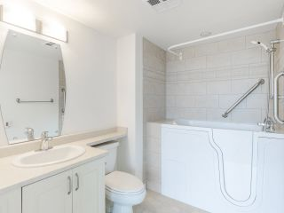 """Photo 23: 720 2799 YEW Street in Vancouver: Kitsilano Condo for sale in """"TAPESTRY AT THE O'KEEFE"""" (Vancouver West)  : MLS®# R2605737"""