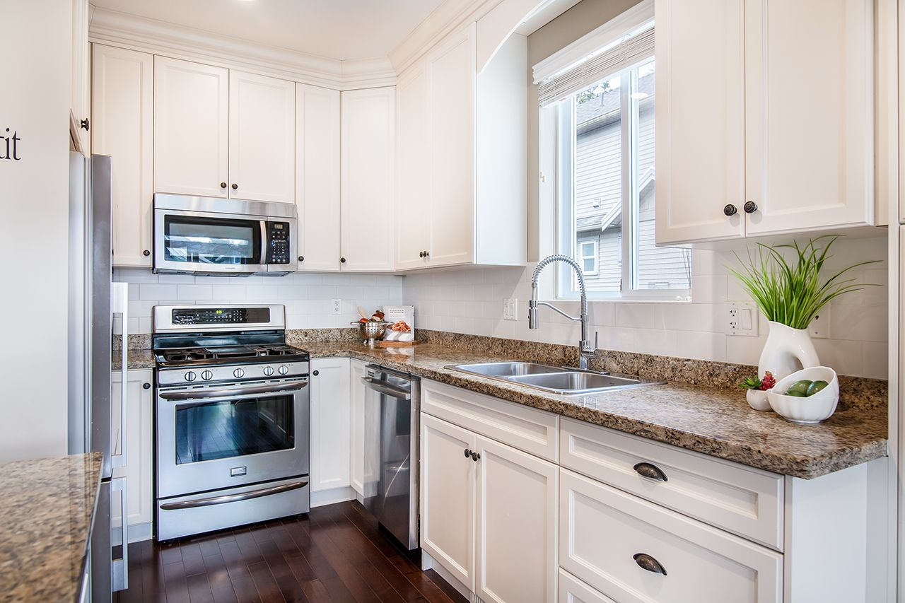 """Photo 9: Photos: 2907 152A Street in Surrey: King George Corridor House for sale in """"SOUTHPOINT ESTATES"""" (South Surrey White Rock)  : MLS®# R2278623"""