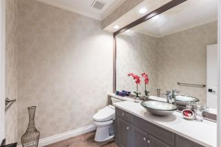 Photo 13: 2348 CHANTRELL PARK Drive in Surrey: Elgin Chantrell House for sale (South Surrey White Rock)  : MLS®# R2567795