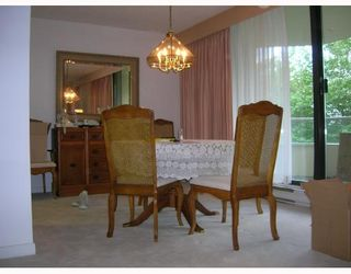 """Photo 2: 206 5790 PATTERSON Avenue in Burnaby: Metrotown Condo for sale in """"REGENT"""" (Burnaby South)  : MLS®# V665928"""