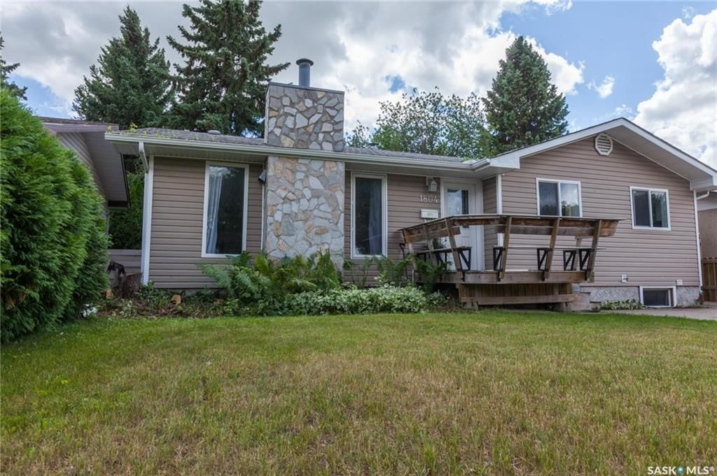 Main Photo: 1804 Wilson Crescent in Saskatoon: Nutana Park Residential for sale : MLS®# SK710835