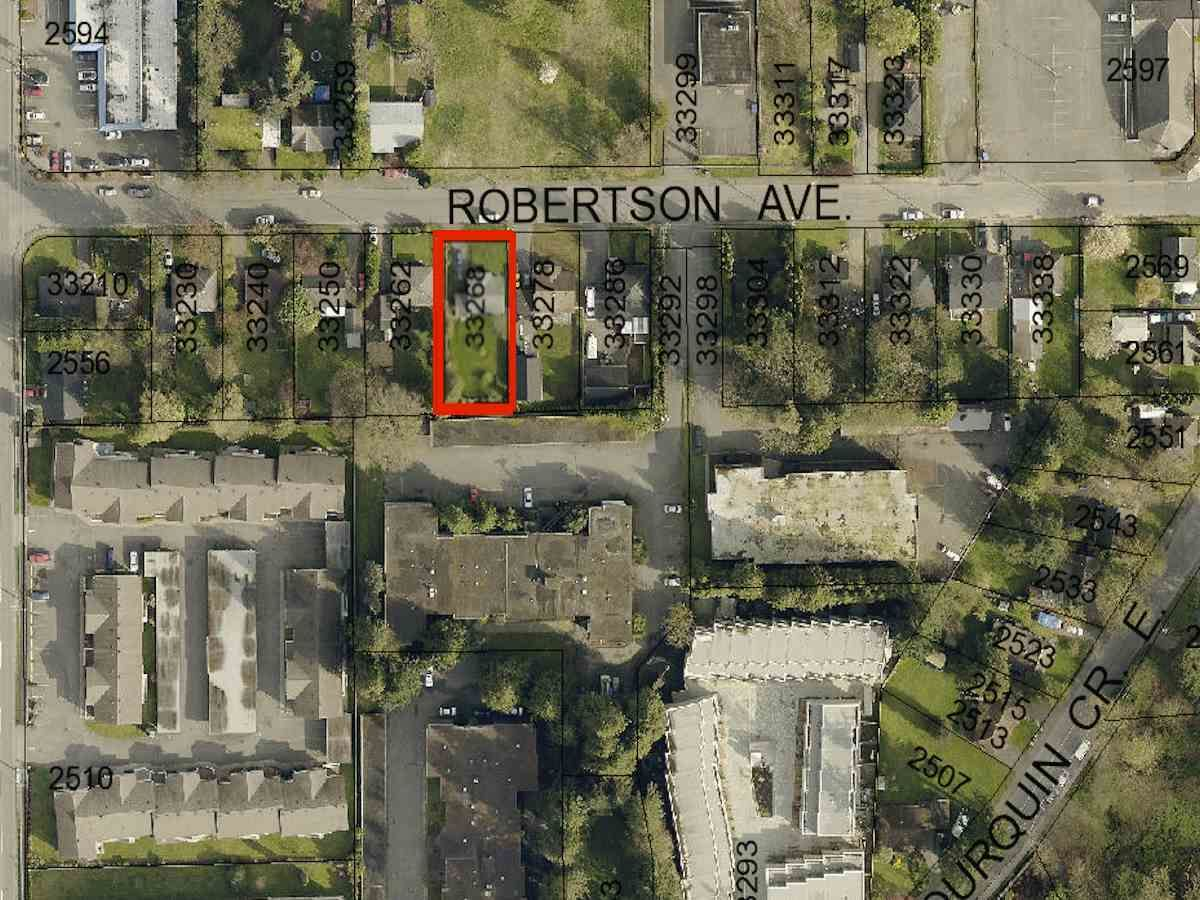 Photo 15: Photos: 33268 ROBERTSON Avenue in Abbotsford: Central Abbotsford House for sale : MLS®# R2088784