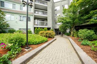 """Photo 24: 211 5700 200 Street in Langley: Langley City Condo for sale in """"Langley Village"""" : MLS®# R2590509"""