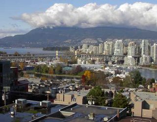 """Photo 1: 1005 1068 W BROADWAY BB in Vancouver: Fairview VW Condo for sale in """"THE ZONE"""" (Vancouver West)  : MLS®# V797290"""