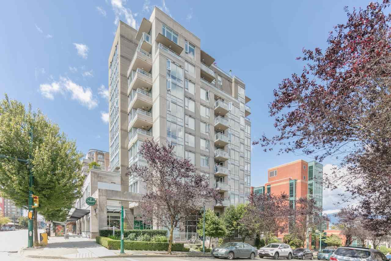 """Main Photo: 403 2483 SPRUCE Street in Vancouver: Fairview VW Condo for sale in """"SKYLINE"""" (Vancouver West)  : MLS®# R2189151"""