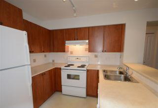 """Photo 5: 308 7089 MONT ROYAL Square in Vancouver: Champlain Heights Condo for sale in """"CHAMPLAIN VILLAGE"""" (Vancouver East)  : MLS®# R2540817"""