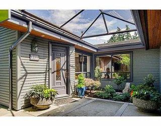 """Photo 3: 5257 ASPEN Crescent in West Vancouver: Upper Caulfeild Townhouse for sale in """"SAHALEE"""" : MLS®# V1023681"""