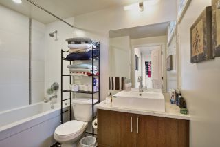 """Photo 2: 209 1068 W BROADWAY in Vancouver: Fairview VW Condo for sale in """"THE ZONE"""" (Vancouver West)  : MLS®# R2019129"""