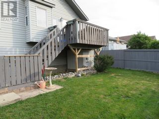 Photo 5: 106 Mackay Crescent in Hinton: House for sale : MLS®# A1142460