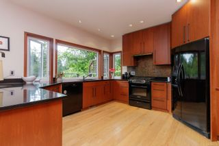 Photo 21: 302 Anya Crt in : VR Six Mile House for sale (View Royal)  : MLS®# 877710