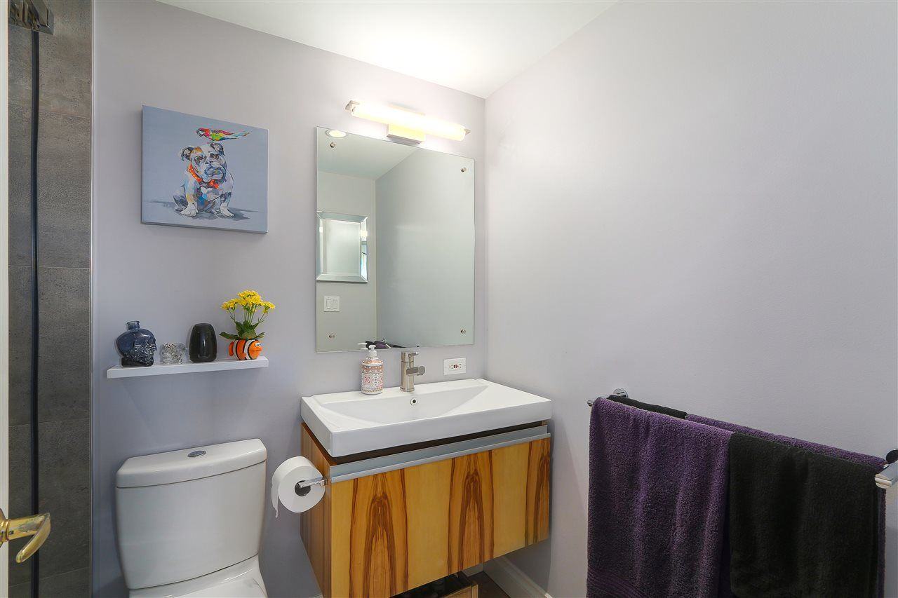 """Photo 16: Photos: 301 1630 W 1ST Avenue in Vancouver: False Creek Condo for sale in """"THE GALLERIA"""" (Vancouver West)  : MLS®# R2383041"""