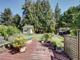 Photo 16: 4432 STALASHEN Drive in Sechelt: Sechelt District House for sale (Sunshine Coast)  : MLS®# R2460017