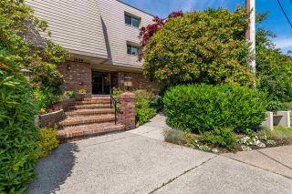"Photo 2: 301 1429 MERKLIN Street: White Rock Condo for sale in ""KENSINGTON MANOR"" (South Surrey White Rock)  : MLS®# R2470817"