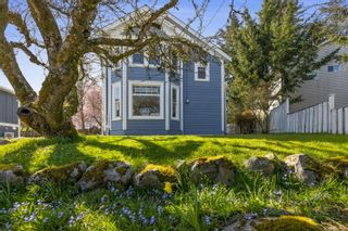 Photo 1: 7256 East Saanich Rd in Central Saanich: CS Keating House for sale : MLS®# 871516