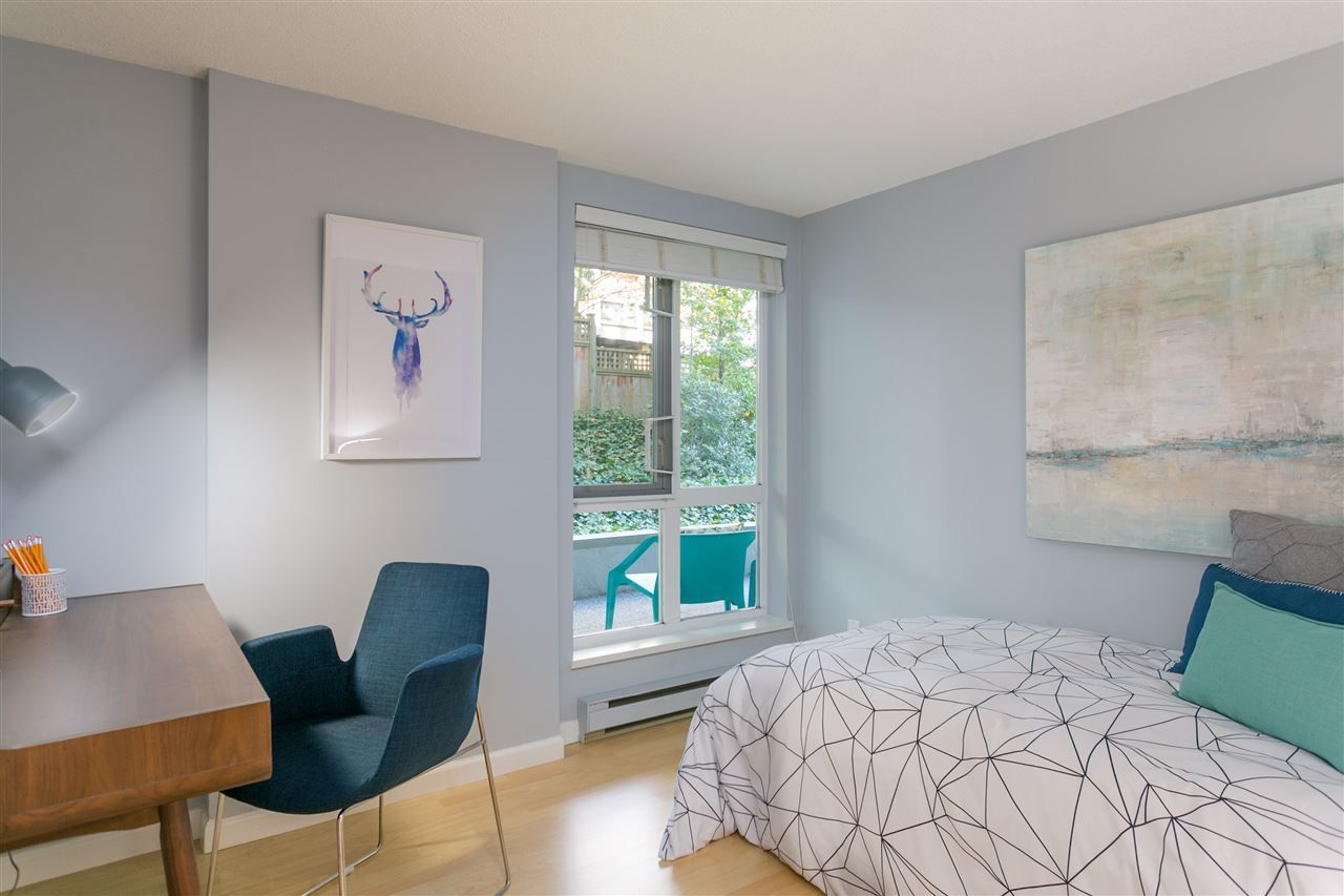 """Photo 12: Photos: 106 2428 W 1ST Avenue in Vancouver: Kitsilano Condo for sale in """"Noble House"""" (Vancouver West)  : MLS®# R2212887"""