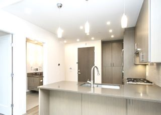 """Photo 10: 200 2432 HAYWOOD Avenue in West Vancouver: Dundarave Condo for sale in """"THE HAYWOOD"""" : MLS®# R2531001"""