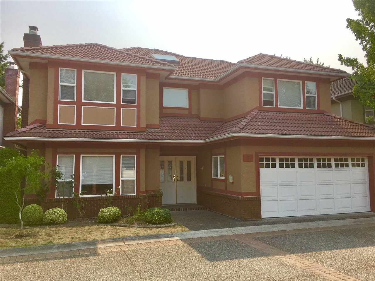 Main Photo: 8 6700 WILLIAMS Road in Richmond: Woodwards Townhouse for sale : MLS®# R2194343