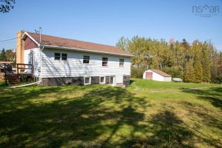 Photo 4: 1455 Highway 2 in Lantz: 105-East Hants/Colchester West Multi-Family for sale (Halifax-Dartmouth)  : MLS®# 202125424