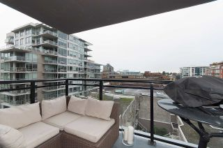 "Photo 7: 704 1650 W 7TH Avenue in Vancouver: Fairview VW Condo for sale in ""VIRTU"" (Vancouver West)  : MLS®# R2015471"