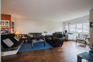 Photo 3: 6048 N Cedar Grove Dr in : Na North Nanaimo Row/Townhouse for sale (Nanaimo)  : MLS®# 868829