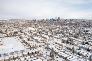 Photo 2: 2003 40 Avenue SW in Calgary: Altadore Detached for sale : MLS®# A1070237