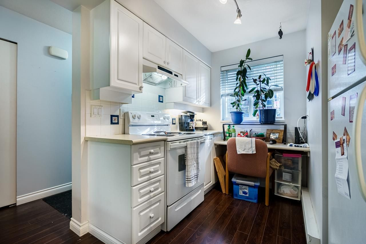 """Photo 10: Photos: 7 1561 BOOTH Avenue in Coquitlam: Maillardville Townhouse for sale in """"LE COURCELLES"""" : MLS®# R2537989"""