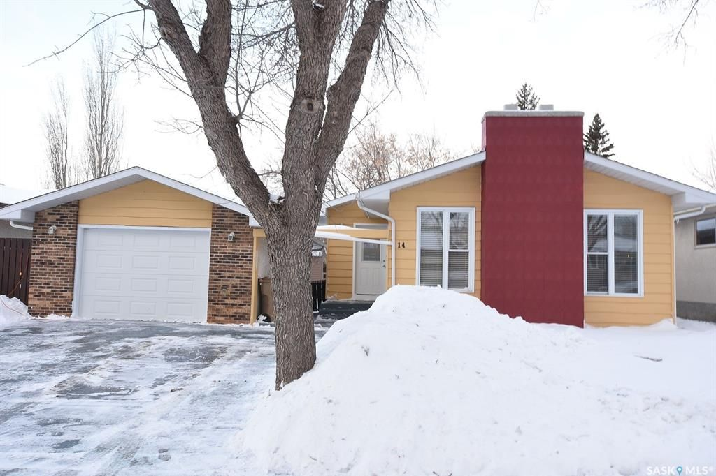 Main Photo: 14 Edenwold Crescent in Regina: Walsh Acres Residential for sale : MLS®# SK839587