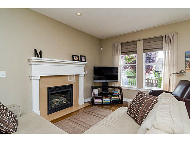 """Photo 5: Photos: 9396 WASKA Street in Langley: Fort Langley House for sale in """"BEDFORD LANDING"""" : MLS®# F1448746"""